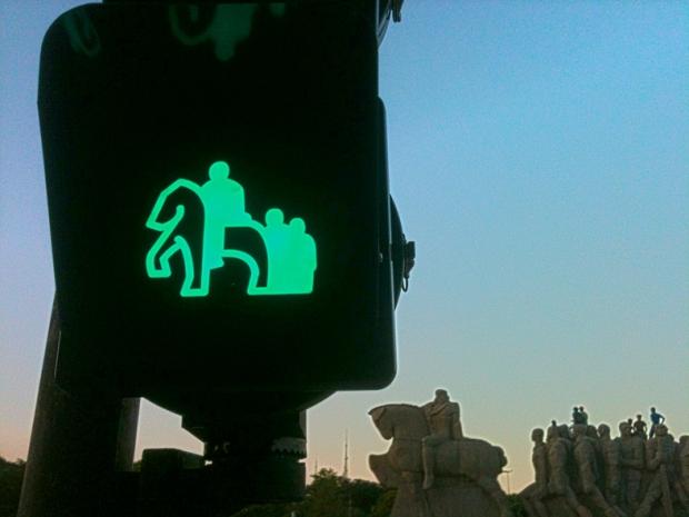 Mas seja civilizado. Não suba no Monumento.