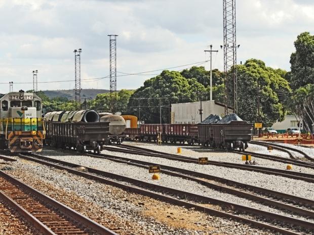 Trilhos e trens