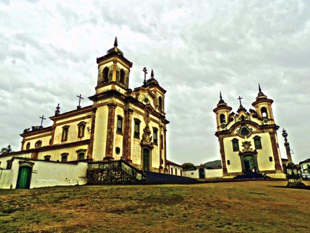 Duas Igrejas
