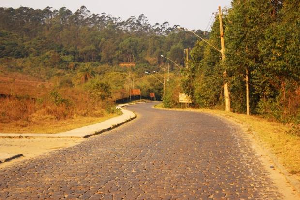 Estrada Real sentido Tiradentes.