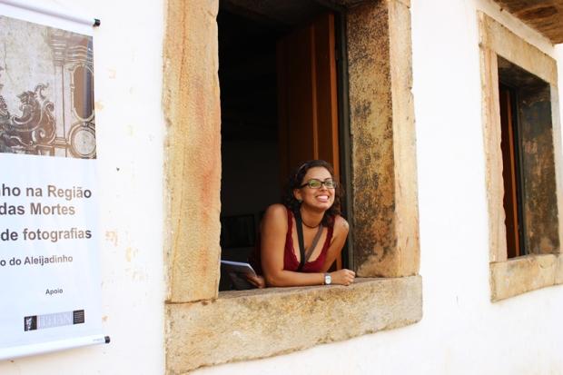 Karina na janela