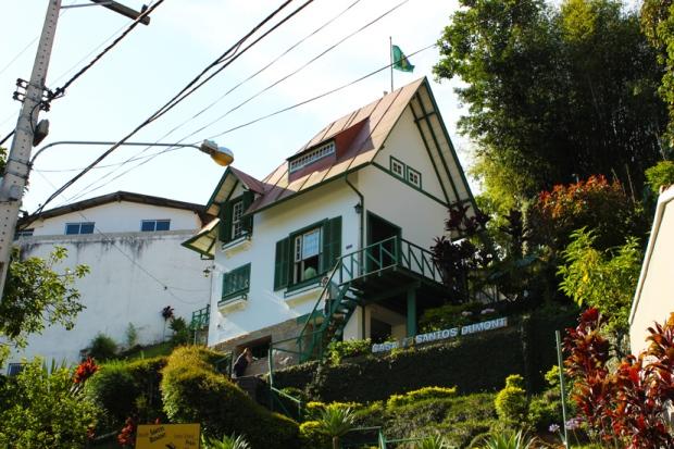 Santos Dumont morou aqui.