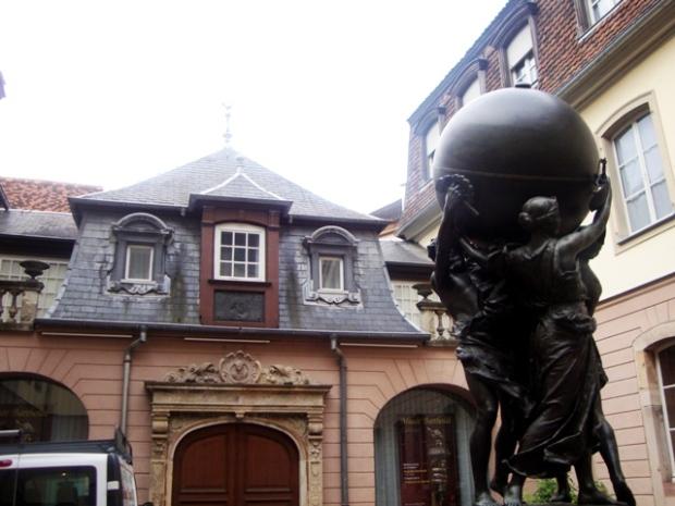 Entrada do Museus Bartholdi, casa do escultor Auguste Bartholdi