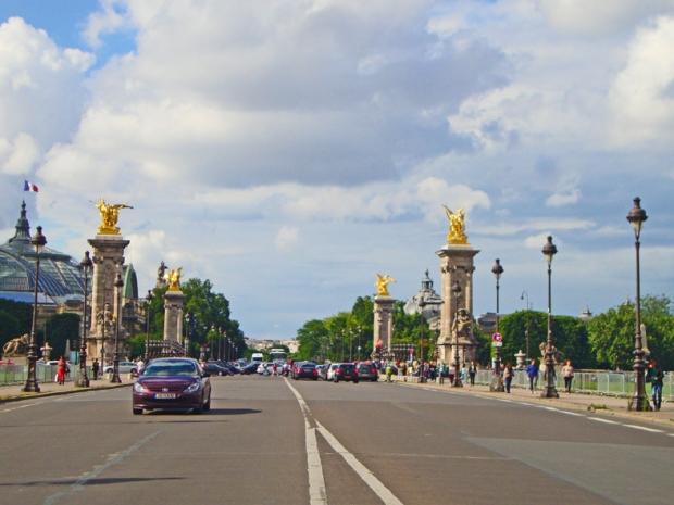Ponte Alexandre III. Foi legal errar o caminho.