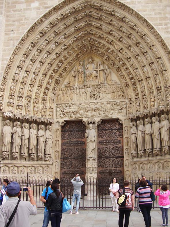 Detalhes do exterior da Notre Dame
