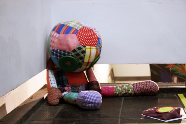 boneco-graffiti-bussola-quebrada