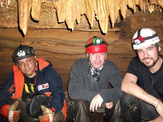aventureiros-caverna-do-morcego-itaoca