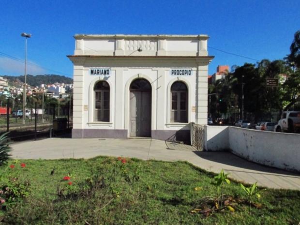 Antiga estação, muito bem conservada, que abriga o Centro Cultural.