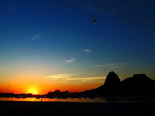 nascer do sol Rio de Janeiro a bussola quebrada