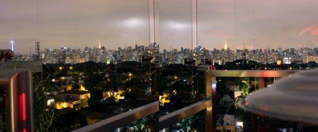 As torres da Paulista vistas do Unique.