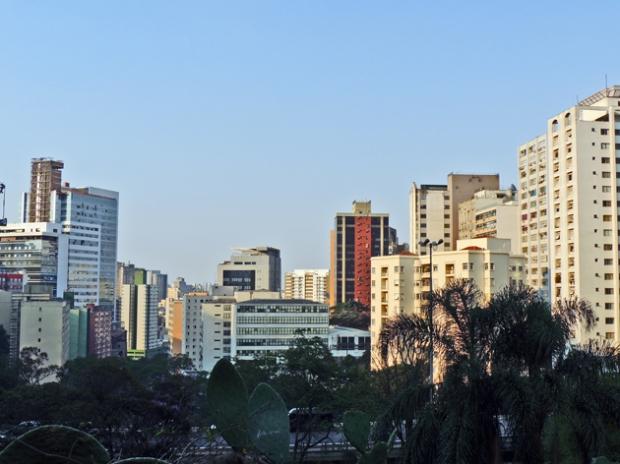 Vista do Vão do MASP, a Rua 23 de Maio.