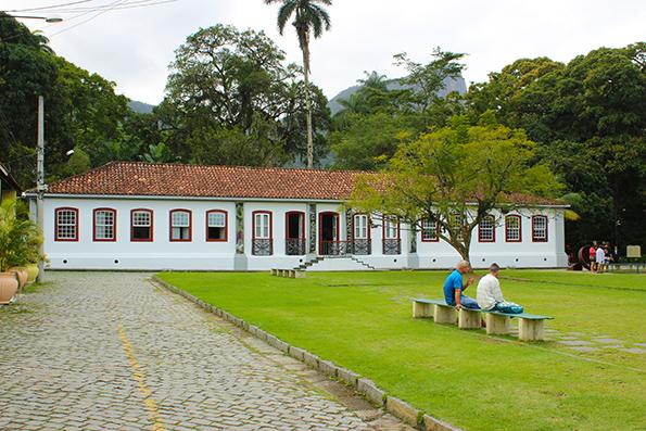Casa do Visitante. Quando visitamos, havia uma exposição sobre a Região Amazônica. O local também oferece cursos e sempre há eventos.