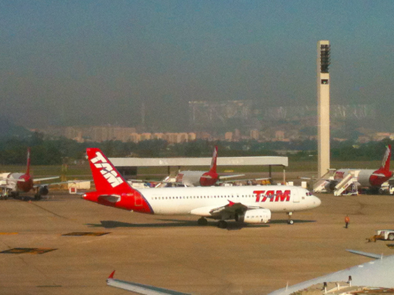 aviao-pista-decolagem