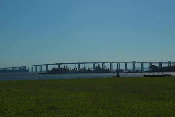 Ponte Rio-Niterói. E dá pra acreditar que só construíram essa ponte em 1974?