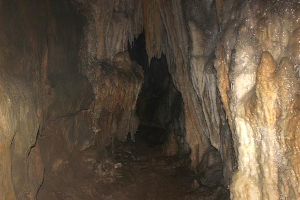 caminhos-estreitos-caverna-jeremias
