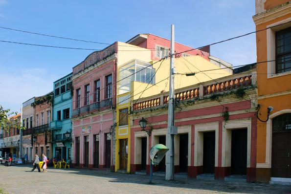 rua-benjamin-constant-Paranagua