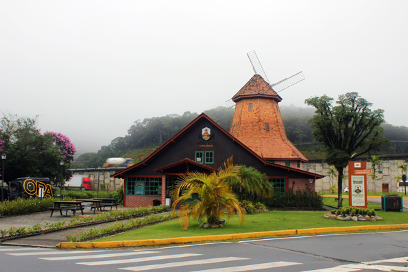 Já viu os moinhos de vento de Joinville? E até o clima estava europeu em nossa visita.