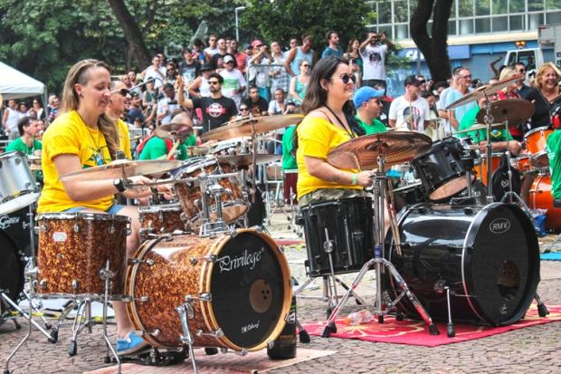 aniversario-sao-paulo-mulheres-bateristas