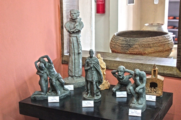 casa-do-artesao-de-apiai-exposicao-ceramica-artesanato-esculturas