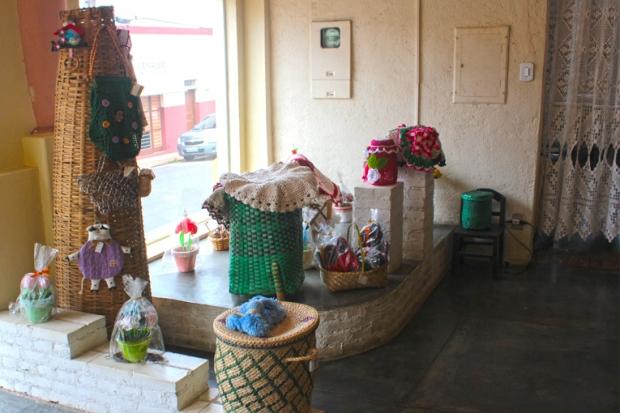 cestos-tecelagem-artesanato-casa-do-artesao-de-apiai