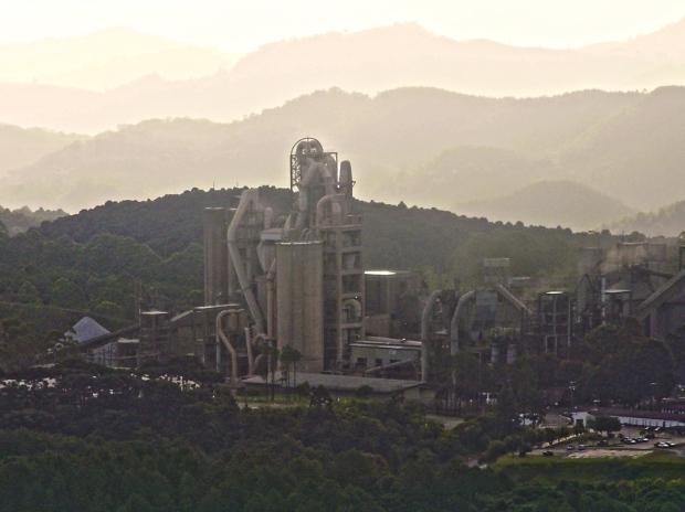 fabrica-Intercement-Apiai