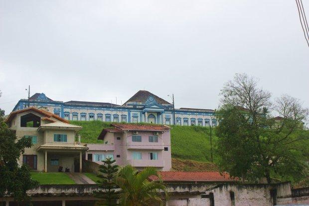 O hospital e maternidade que vi logo que chegamos em São Francisco do Sul. Rua Joaquim José da Silveira Jr.