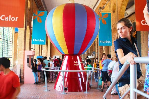 Balões, aviões, navios, trens. As crianças vão adorar o Catavento Cultural.