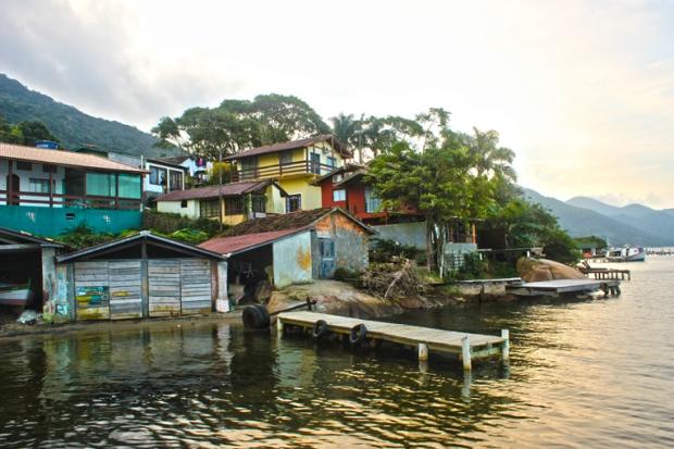 A Vila de Pescadores que segue ao redor da Lagoa da Conceição, Em Florianópolis.