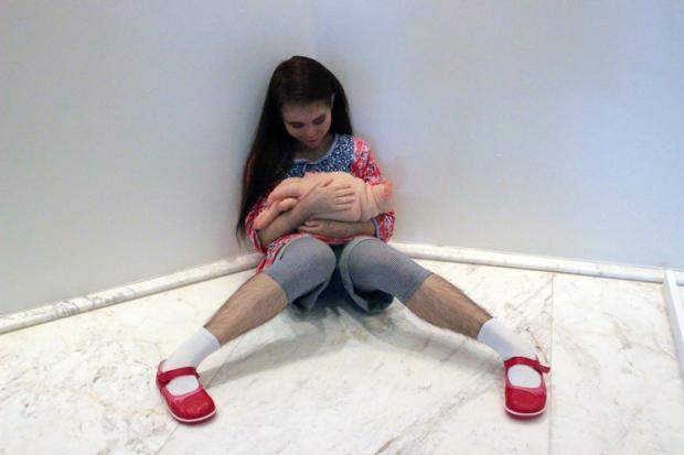 comciencia-patricia-piccinini-menina-peluda