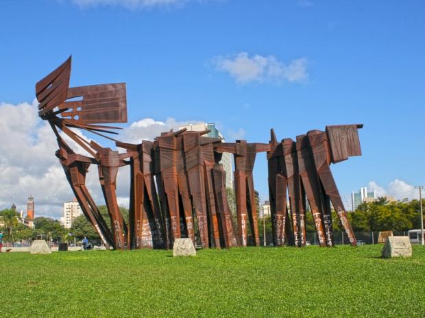 Monumento ImigracaoAcoriana Praca dos Acorianos Caravela Porto Alegre Bussola Quebrada