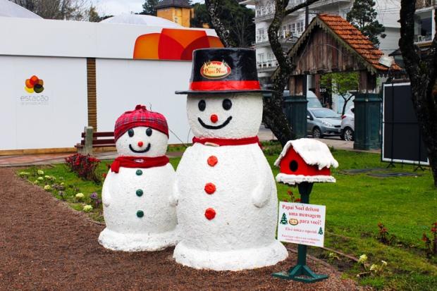 bonecos de neve Gramado a bussola quebrada