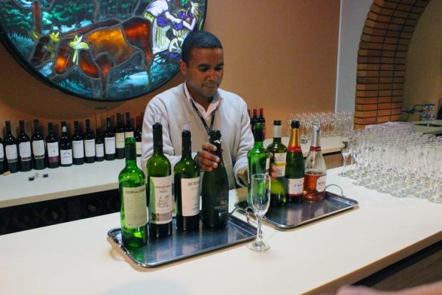 Claro que há o momento de degustação dos vinhos, mas este fica para o final do tour.