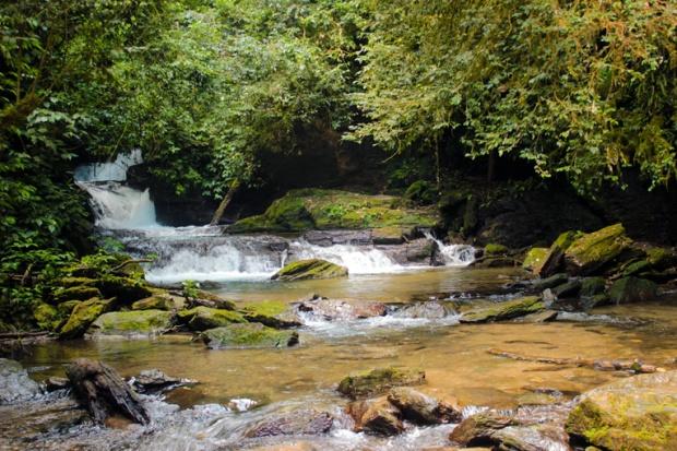 rio-agua-cachoeira-meu-deus