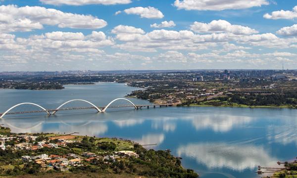 Lago Paranoá-Ponte JK Brasília