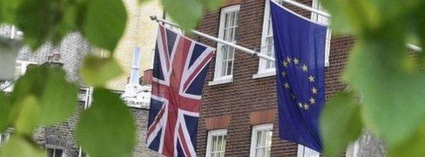 brexit euro bandeira a bussola quebrada