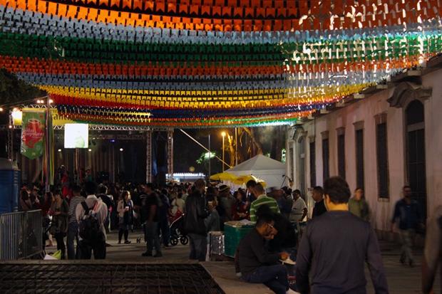 festa-portuguesa-santos-populares-show-a-bussola-quebrada