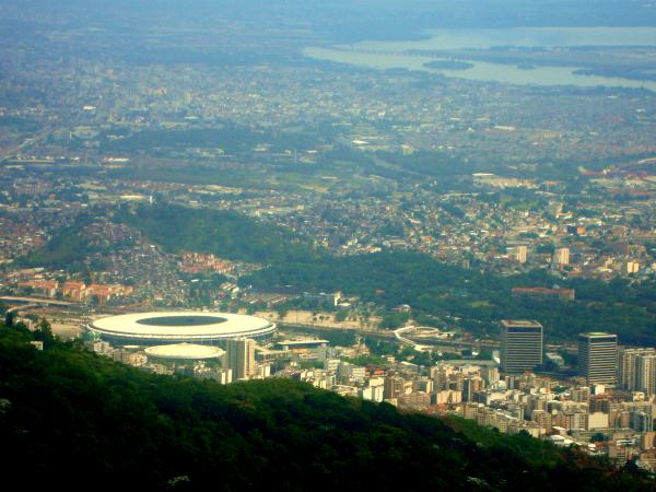 O Maracanã parece até pequeno daqui de cima!