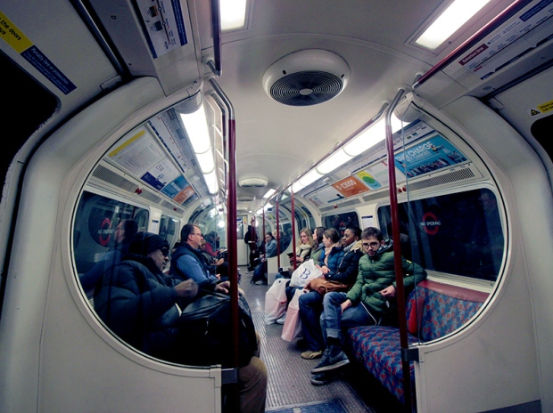 vagao-metro-underground-tube-london-londres