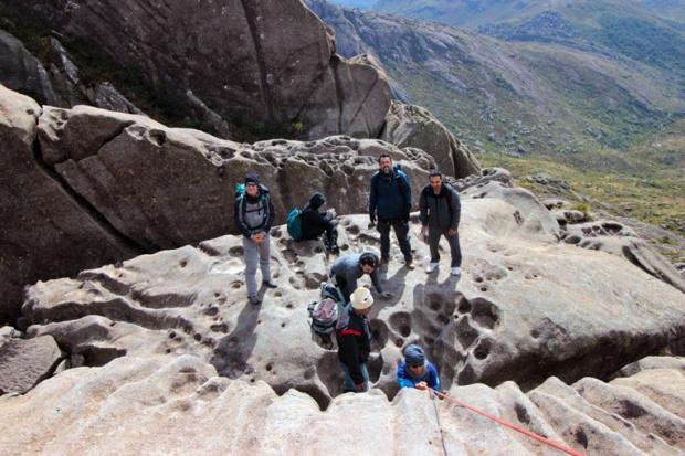 altura-descanso-escalada-itatiaia-pico-das-agulhas-negras-a-bussola-quebrada