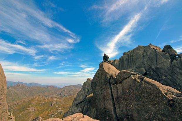 descanso-escalada-itatiaia-pico-das-agulhas-negras-a-bussola-quebrada