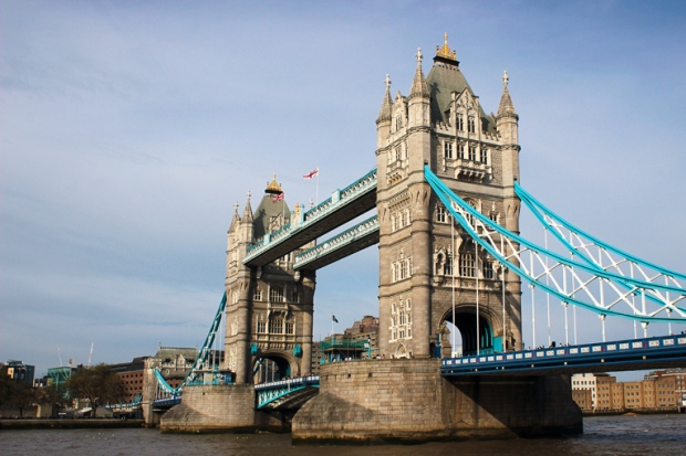 diagonal-ponte-de-londres-london-bridge-a-bussola-quebrada