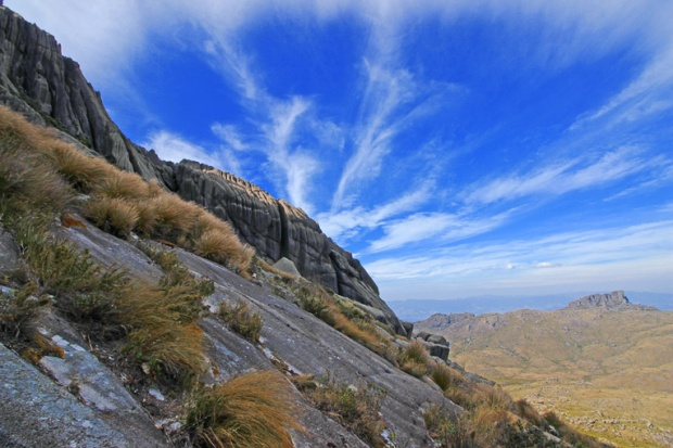 escalada-itatiaia-pico-das-agulhas-negras-a-bussola-quebrada