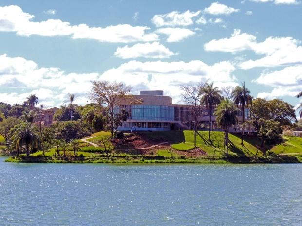 pampulha-lagoa-museu-de-arte-a-bussola-quebrada
