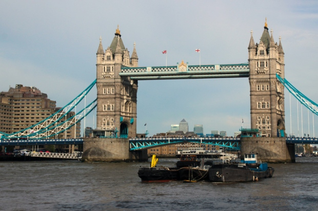 ponte-de-londres-london-bridge-a-bussola-quebrada
