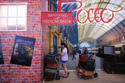 24-bienal-do-livro-harry-potter-a-bussola-quebrada