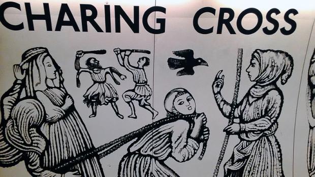 mural-charing-cross-trafalgar-square-a-bussola-quebrada