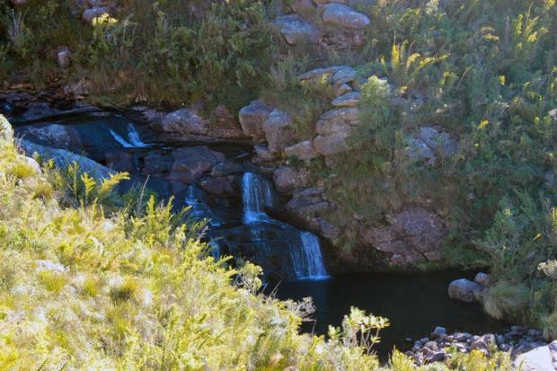 prateleiras cachoeira a bussola quebrada