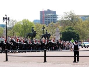 troca-da-guarda-buckingham-cavalaria-a-bussola-quebrada