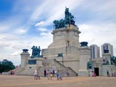 monumento-independencia-museu-do-ipiranga-7-de-setembro-a-bussola-quebrada