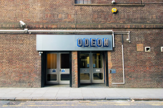 odeon-londres-rock-show-a-bussola-quebrada
